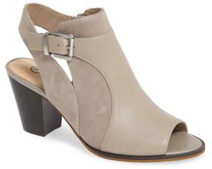 Bella Vita Kellan Mixed Finish Sandal