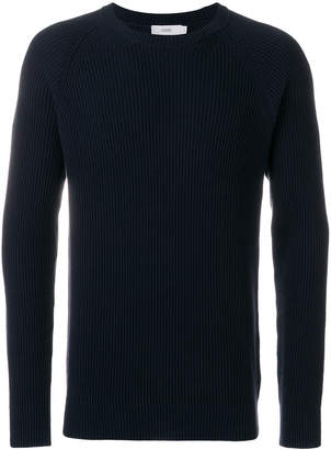 Closed ribbed crew neck sweater