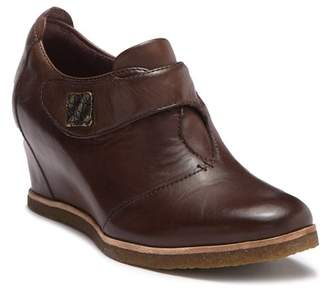 Earth Zanza Leather Wedge Bootie