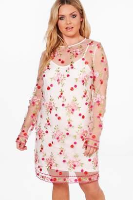 boohoo Plus Embroidered Mesh Shift Dress