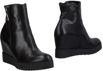 Donna Più Ankle boots - Item 11464750
