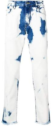 Represent wash out jeans