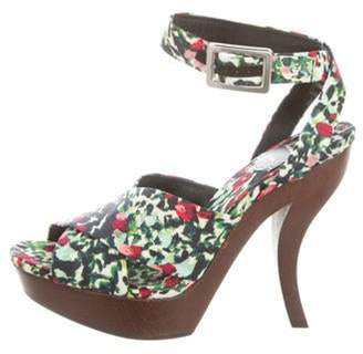 Roger Vivier Virgule Printed Sandals w/ Tags Green Virgule Printed Sandals w/ Tags