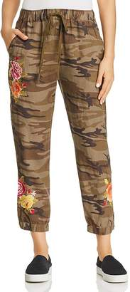 Johnny Was Vella Camo-Print Cropped Linen Pants