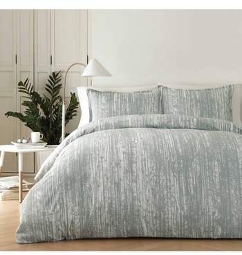Pihkassa Comforter & Sham Set