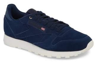 Reebok Classic Leather Low Top Sneaker