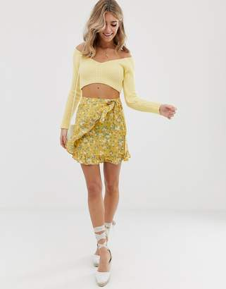 Glamorous floral wrap skirt with ruffle
