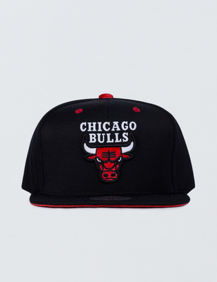 Mitchell & Ness Chicago Bulls Solid Velour Logo Snapback $35 thestylecure.com