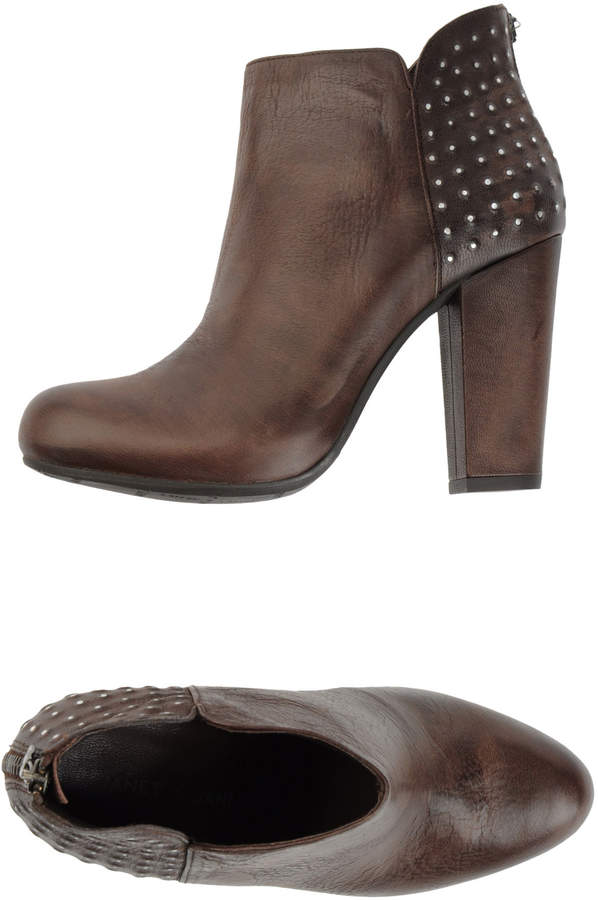 Janet & Janet Ankle boots - Item 44453189