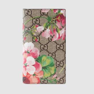 Gucci (グッチ) - 〔GGブルームス〕iPhone 7/8手帳型ケース