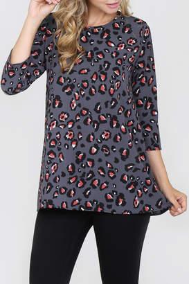 Riah Fashion 3/4-Sleeve Leopard Blouse