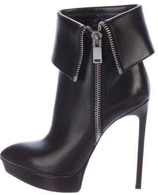 Saint LaurentSaint Laurent Classic Janis Ankle Boots