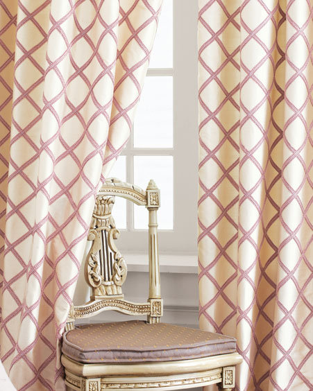 Diamond Lattice Curtains