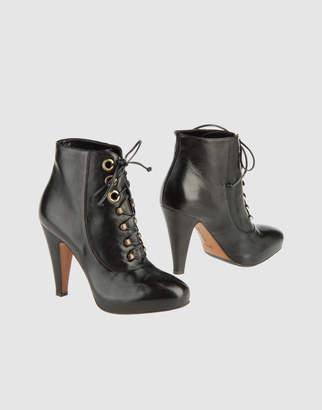 Eva Turner Ankle boots
