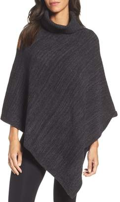 Barefoot Dreams R) Cozychic(R) Point Dume Poncho