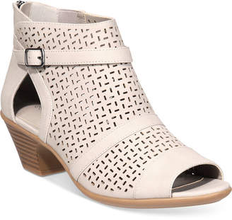 Easy Street Shoes Carrigan Sandals Women's Shoes