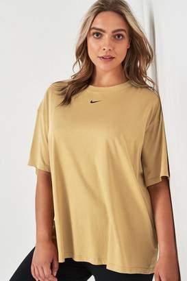 Nike Womens Curve Boyfriend Fit Tee - Gold