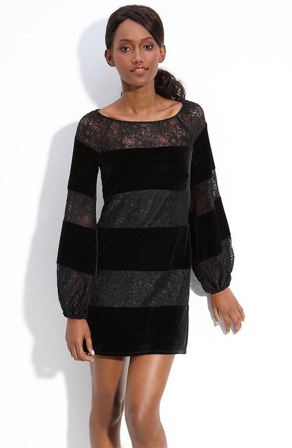 Laundry by Shelli Segal Velvet & Lace Shift Dress