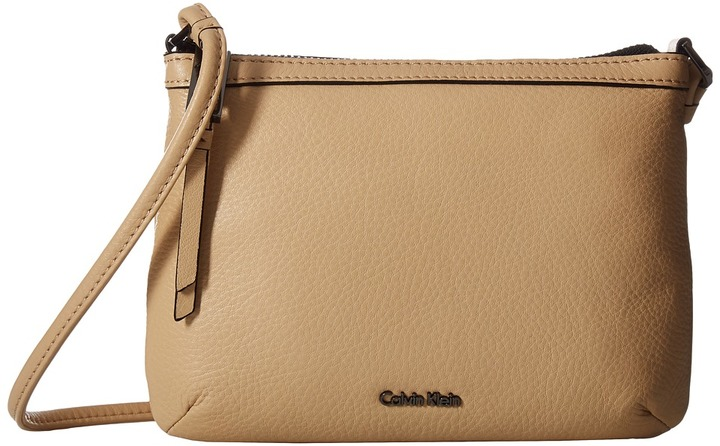Calvin Klein Calvin Klein - Carrie Pebble Key Item Crossbody Cross Body Handbags