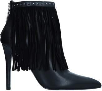 Pierre Balmain Ankle boots