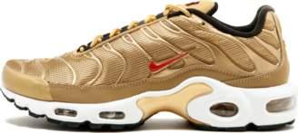 Nike Womens Air Max Plus QS Metallic Gold/University Red
