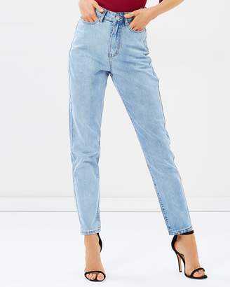 Atmos & Here ICONIC EXCLUSIVE - Giselle Super High Waist Mom Jeans