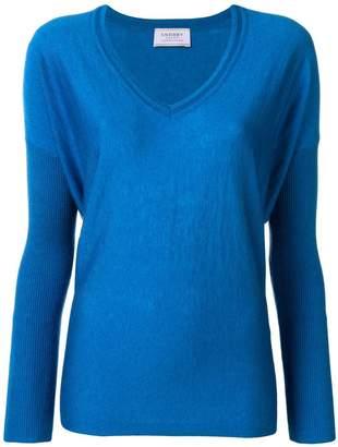 Snobby Sheep v-neck sweater