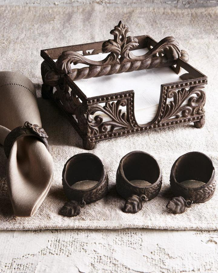 GG Collection Napkin Holder and Four Napkin Rings