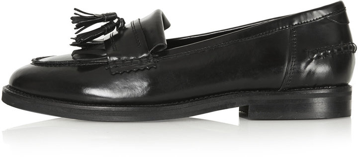 Black leather fringed mocassin loafers with block heel. 100% leather. specialist clean only.
