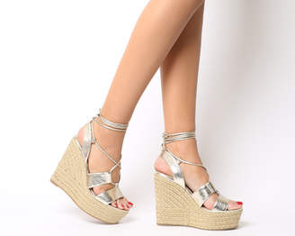 Office Hula Hula Ghillie Espadrille Wedges Gold