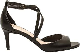 Le Château Women's Leather-Like Strappy Sandal