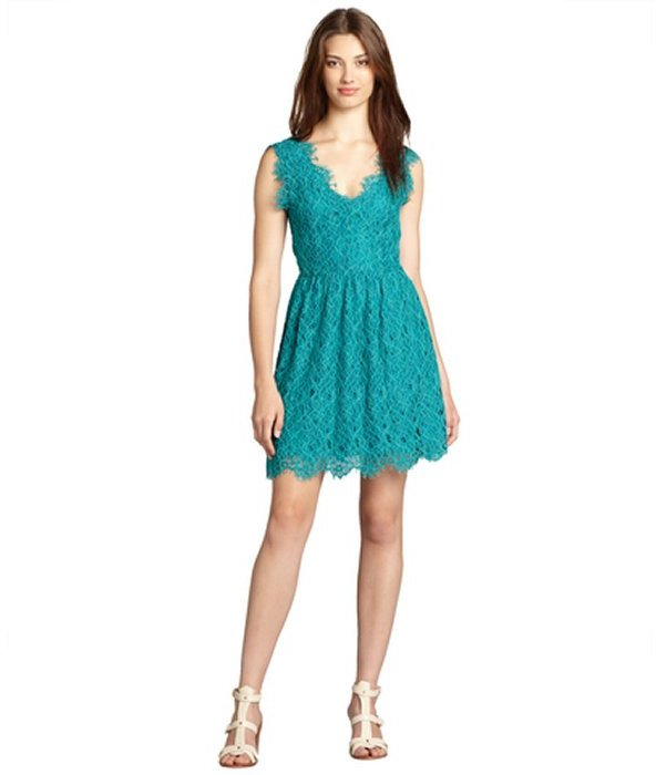 Wyatt green lace scalloped v-neck sleeveless dress
