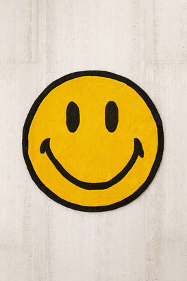 Urban Outfitters Chinatown Market X Smiley Exclusive Smiley Plush Rug