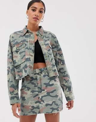 Signature 8 cropped camo denim jacket