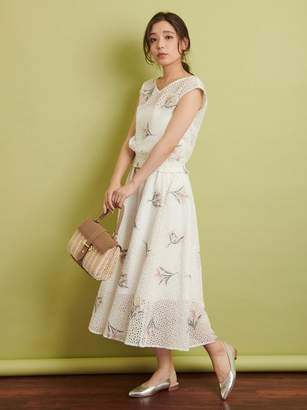 Noela (ノエラ) - ノエラ フラワー刺繍レーススカート