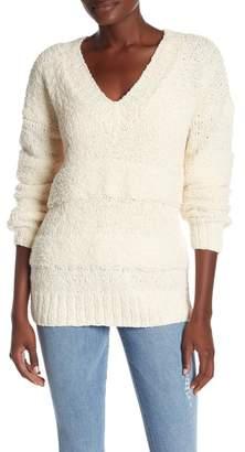 Frame Slouchy V-Neck Knit Sweater