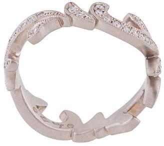 hum thorn ring