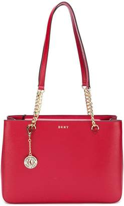 DKNY (ディー ケー エヌワイ) - DKNY レザー ショルダーバッグ