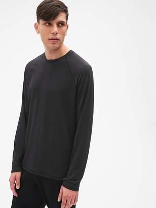 Gap GapFit Breathe Long Sleeve Crewneck T-Shirt