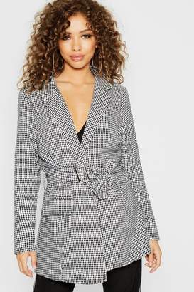 boohoo Woven Dog Tooth Belted Long Line Blazer
