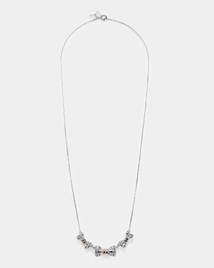 Halskette Mit Dreifachem Schleifendetail Aus Sterling