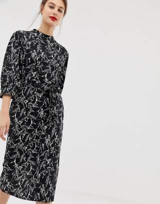 Warehouse midi dress with tie waist in horse print