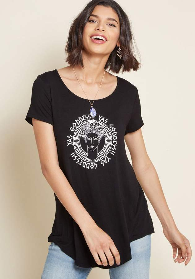 Glorious Gal Graphic Tee in XS - Short Sleeve A-line Long
