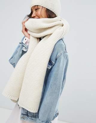 Alice Hannah Chunky Knit Scarf