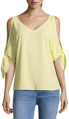 BELLE + SKY 3/4 Split Sleeve V-Neck Blouse