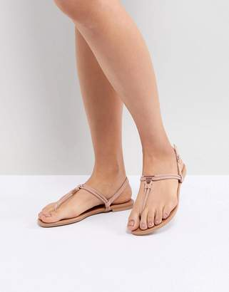 New Look Leather Look Toe Post Metal Detail Flat Sandal