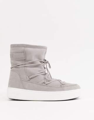 wholesale dealer dd5f1 c6240 Fur Moon Boots - ShopStyle UK