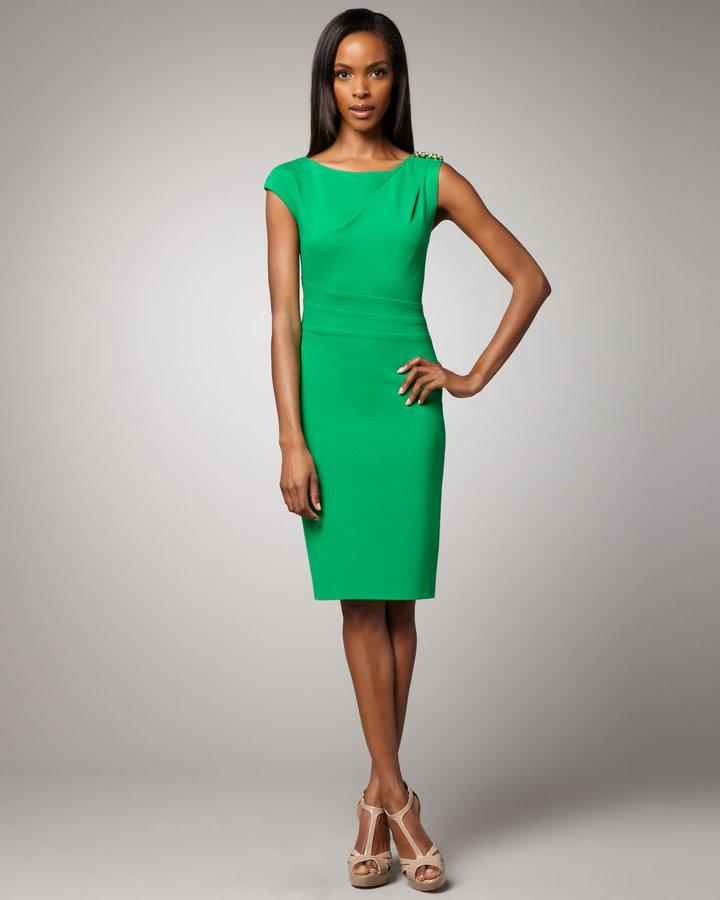 Kay Unger New York Cap-Sleeve Dress