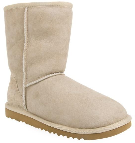 Ugg Short sheepskin boot