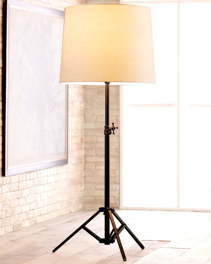 VISUAL COMFORT Studio Floor Lamp